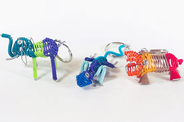 Miniature animal key chains<i class='ion-ios-arrow-thin-right'></i>